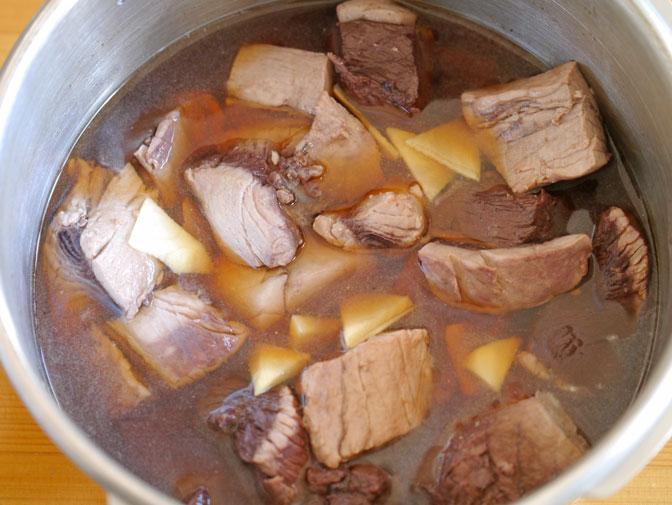 マグロのアラ煮加圧前