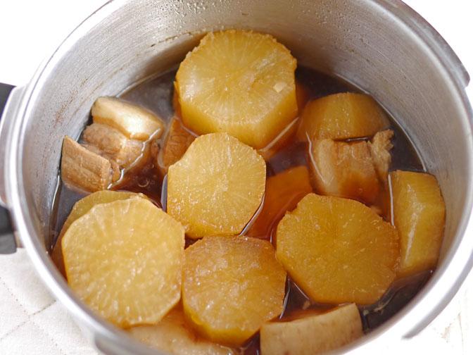 豚バラと大根の煮物煮込み後
